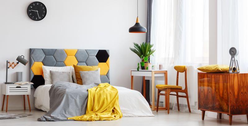 Verlichting slaapkamer nachtkastje en boven bed